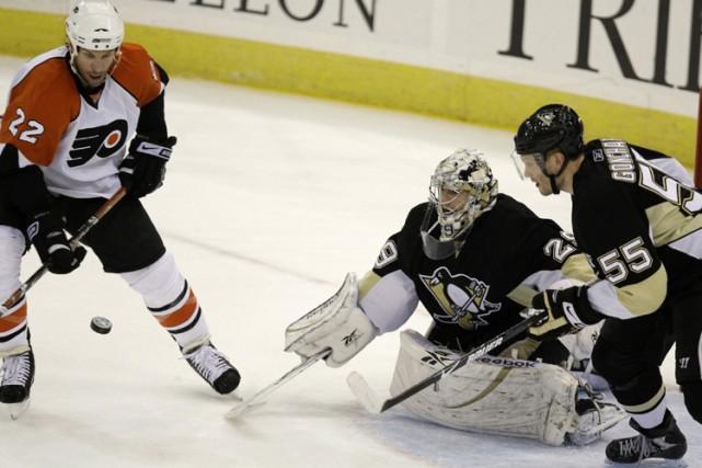 Arron Asham, Claude Giroux et Mike Knuble ont marqué les buts des Flyers de... (Photo: AP)