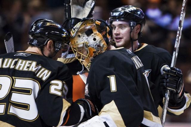 La défense des Ducks s'est de nouveau imposée... (Photo: AP)