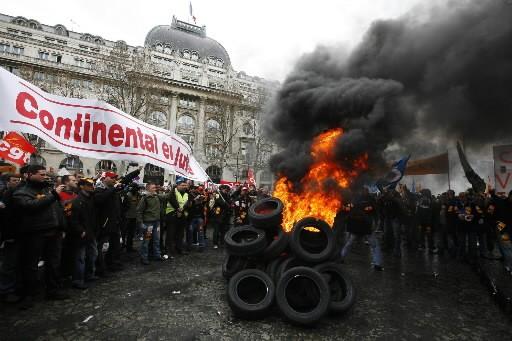 Qui sont donc ces irréductibles Gaulois qui séquestrent leurs patrons et... (Photo: AP)