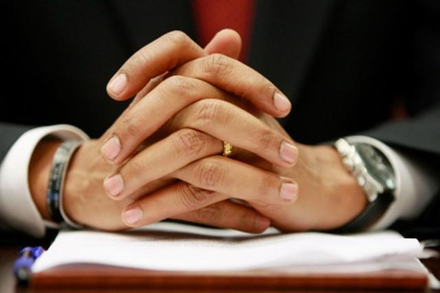 Les photographes semblent fascinés par les mains de Barack Obama. La Presse a...