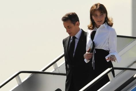 Nicolas et Carla Sarkozy... (Photo: AFP)