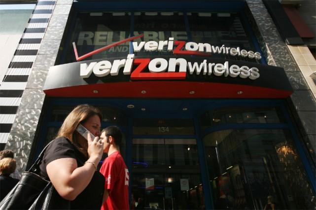 L'opérateur de télécoms Verizon a annoncé lundi un bénéfice net de 3,21... (AP)