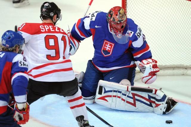 Jason Spezza a déjoué Jaroslav Halak pour inscrire... (Photo: AFP)
