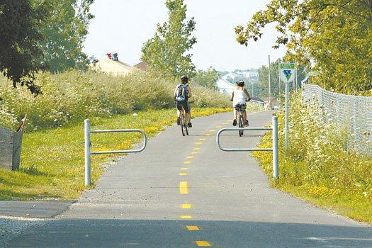 Prendre l'air est un droit pour tout le monde et les pistes cyclables ont été... (Photo archives Le Droit)