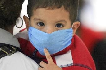La grippe porcine a fait son premier mort aux Etats-Unis et hors du Mexique,... (Photo: Bloomberg)