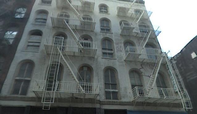 Un immeuble de cinq étages du sud de la presqu'île de Manhattan, non loin du...