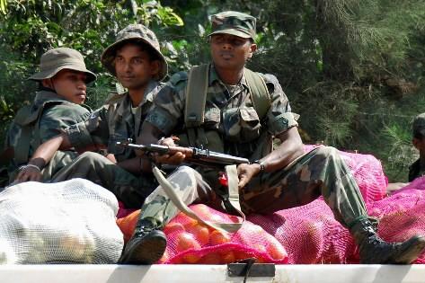 Des soldats du Sri Lanka...