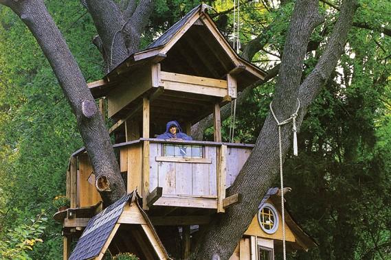 cabanes dans les arbres b tir l haut laurie richard collaboration sp ciale maison. Black Bedroom Furniture Sets. Home Design Ideas