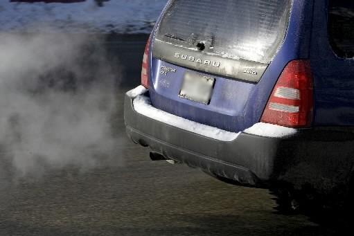 À compter du 14 janvier 2010, les constructeurs automobiles devront se... (Photo: Alain Roberge, La Presse)