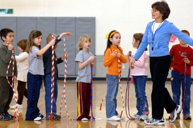 Une étude publiée mardi révèle que les enfants qui s'adonnent à l'activité... (Photo: Archives AP)