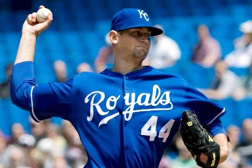 Luke Hochevar a limité les Jays à deux... (Photo Presse Canadienne)