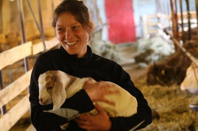 Sophie Talbot, de la ferme Caprivoix.... (Photo: Martin Chamberland, La Presse)