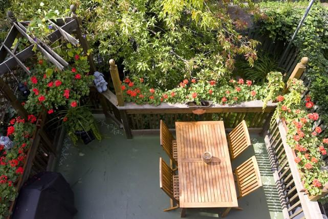 balcons fleuris les laur ats 2009 lilianne lacroix cour et jardin. Black Bedroom Furniture Sets. Home Design Ideas