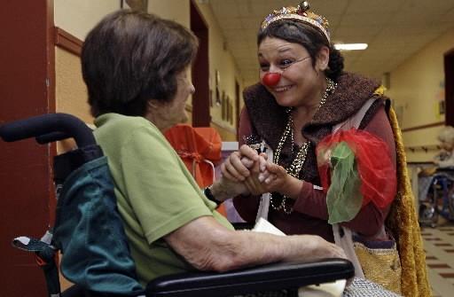 Les clowns thérapeutiques, ces comédiens énigmatiques recrutés par le... (La Presse, Robert Mailloux)