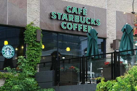 Il s'agira du premier café Starbucks syndiqué au... (Le Soleil, Laetitia Deconinck)