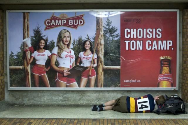 Les publicités du camp Bud, comme celle-ci, à... (Photo: Robert Skinner, La Presse)
