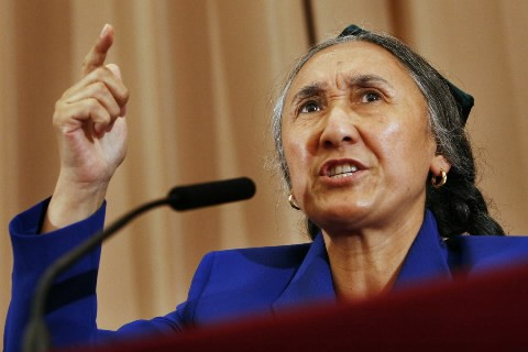 La dissidente ouïgoure Rebiya Kadeer en conférence à... (Photo AP)