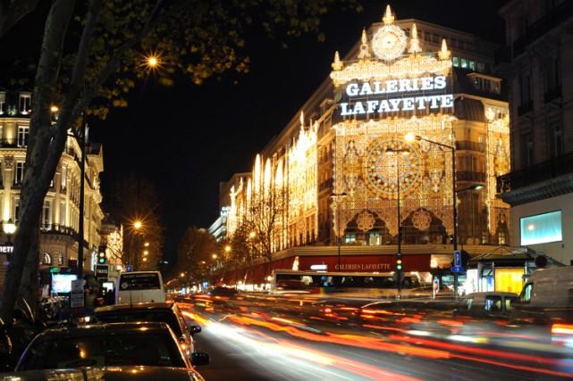 France loi controvers e sur l 39 ouverture des commerces le dimanche europe - Ouverture magasin paris ...
