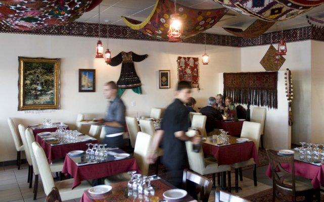 Et pendant ce temps sur le boulevard saint martin marie claude lortie restaurants - Restaurant boulevard saint martin ...