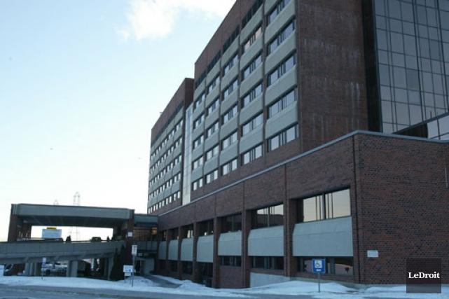 À plus long terme, la clinique-réseau pourrait être... (Archives, LeDroit)