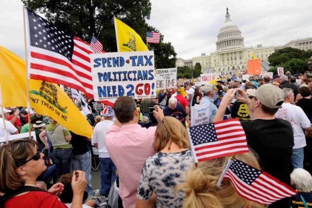 Des dizaines de milliers de personnes ont manifesté samedi à Washington contre... (Photo: Reuters)
