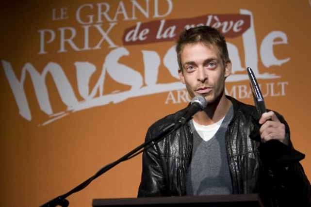 Alexandre Désilets avec son prix.... (Photo: David Boily, La Presse)