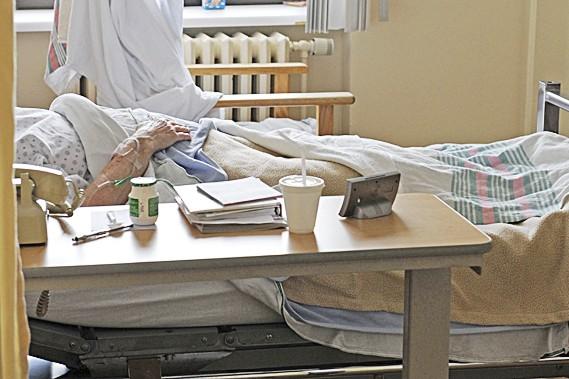 Bien que moins tranchée, la position du Collège des médecins est en phase avec... (Photothèque Le Soleil)