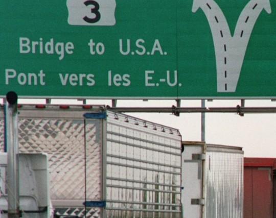 Ce texte ne vise pas le bilinguisme individuel ou même l'unilinguisme... (PHOTO: ARCHIVES LA PRESSE)