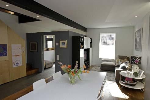 Transformation d 39 un duplex en cottage lucie lavigne - Appartement en duplex abraham architects ...