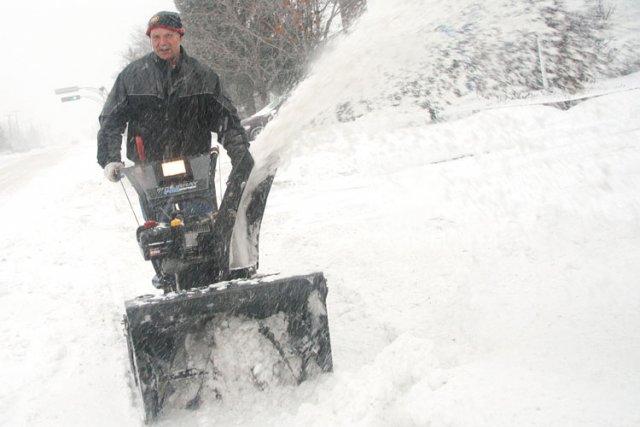 Le vrombissement des souffleuses à neige reprendra de plus bel dans les ... (Étienne Ranger, LeDroit)