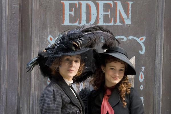 Mariloup Wolfe et Laurence Leboeuf dans Musée Eden.... (Photo: Radio-Canada)