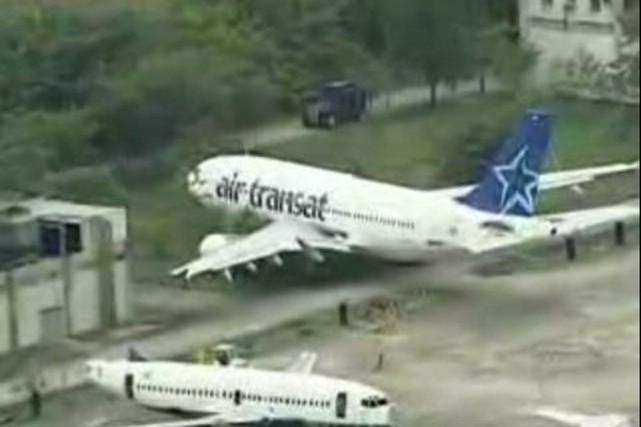 un avion d air transat fait une sortie de piste au br 233 sil catherine handfield am 233 rique latine