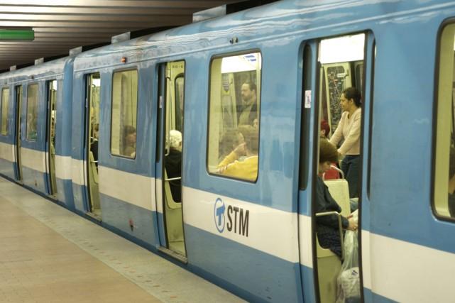 Depuis toujours, les usagers qui prennent le métro... (Photo: Robert Skinner, Archives La Presse)