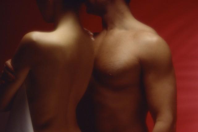L'augmentation des relations sexuelles illicites est la cause de... (Photos.com)