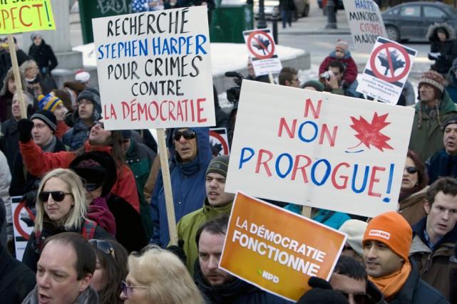 Des centaines de personnes ont manifesté à Montréal... (Photo: Robert Skinner, La Presse)