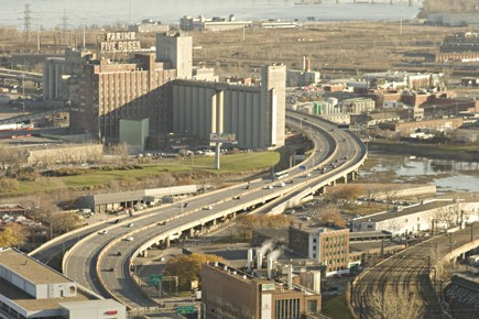 Le projet de démantèlement de l'autoroute Bonaventure, proposé par la Société... (Photo: François Roy, La Presse)