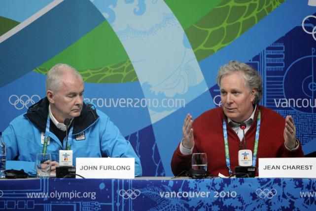 Le directeur général du COVAN, John Furlong, et... (Photo: Bernard Brault, La Presse)