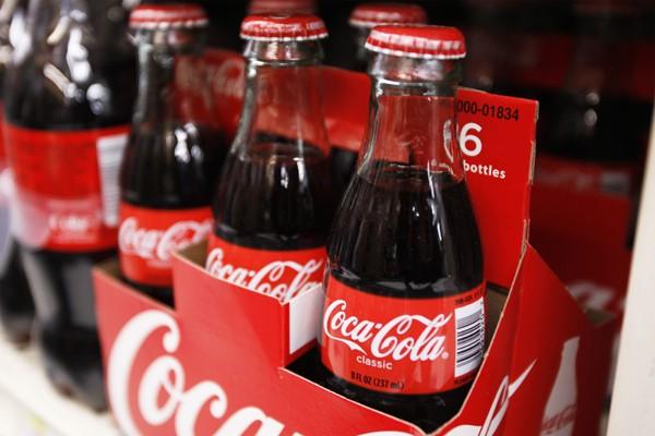 Boiriez-vous toujours du Coke si vous appreniez que certains des partenaires... (Photo Reuters)