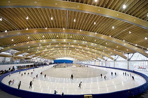 Quipe qu bec vancouver un oeil sur l 39 anneau olympique ian bussi res - Anneau des jeux olympique ...