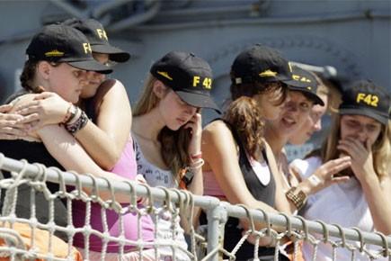 La quarantaine d'étudiants est arrivée à l'aéroport Pearson... (Photo: Reuters)
