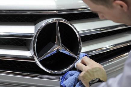 Mercedes-Benz prévoit de vendre 1,3 million de voitures... (Photo: Martin Meissner, AP)