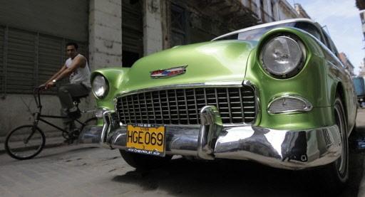 l 39 importation de voitures nouveau interdite cuba am rique latine. Black Bedroom Furniture Sets. Home Design Ideas