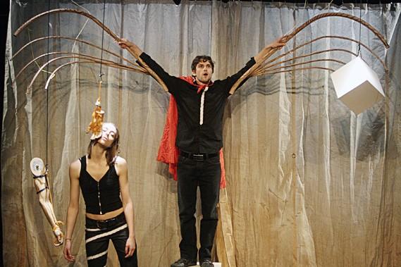 Les personnages évoluent dans une installation visuelle qui... (Le Soleil, Jocelyn Bernier)