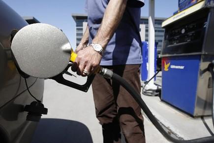Les automobilistes du Québec paieront 1 cent de plus par litre d'essence et... (Photo: Martin Chamberland, La Presse)