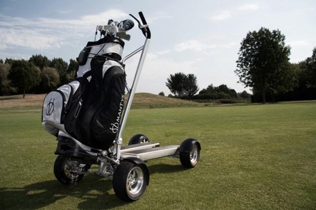 Comme tous les golfeurs le savent, «drive» en anglais décrit la conduite  d'une... (Photo Mantys)