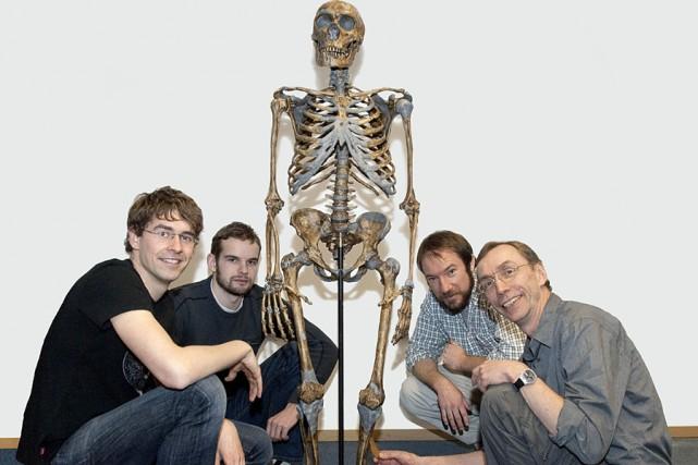 Les chercheurs qui ont travaillé au séquençage du... (Photo: AFP)