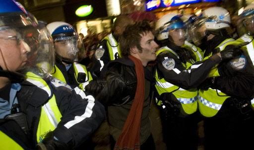 Quarante et une personnes ont été arrêtées, hier... (Photo: Robert Skinner, La Presse)