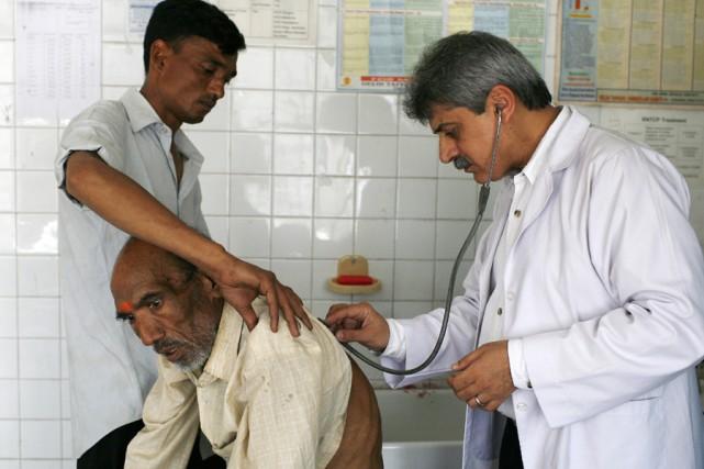 Un homme atteint de tuberculose, en Inde.... (Photo: Archives AFP)