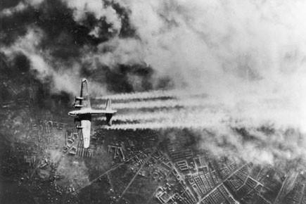 Les Alliés préparaient à une guerre bactériologique contre... (Archives AP)