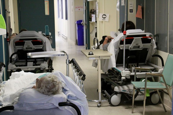 Une soixantaine de patients des hôpitaux de Hull... (Archives)